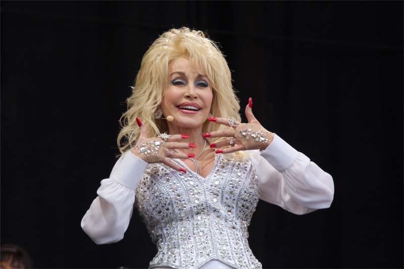 Dolly Parton Hände, Jugendlich überraschung anal