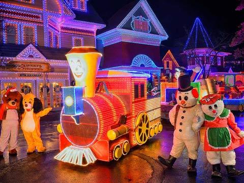 Dollywood Christmas.Dollywood S Smoky Mountain Miniature Railroad