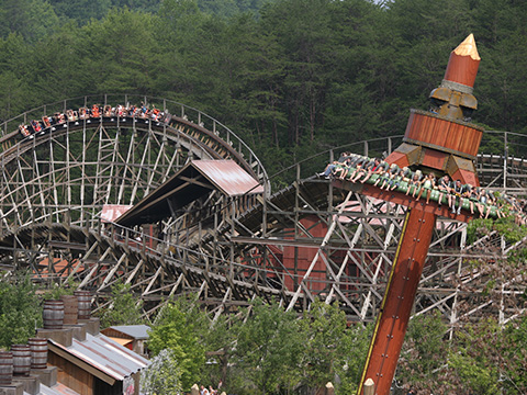 dollywood shouts timber with new timber tower ride