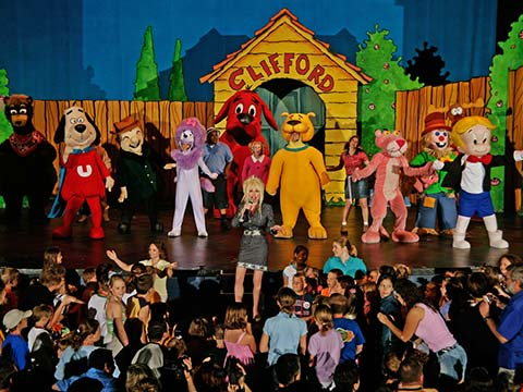 dollywood s kidsfest features beloved characters