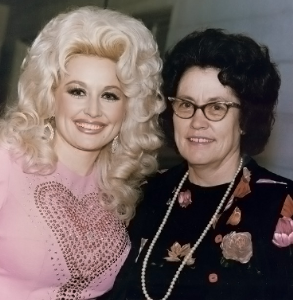 A mother 39 s love inspiration avie lee parton for What does dolly parton s husband do for a living