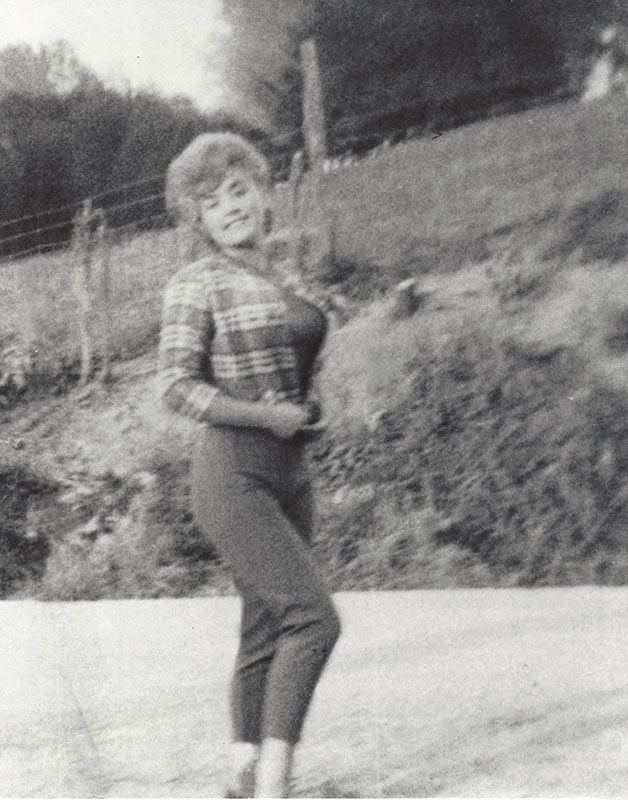 Dolly Parton As A Teenager