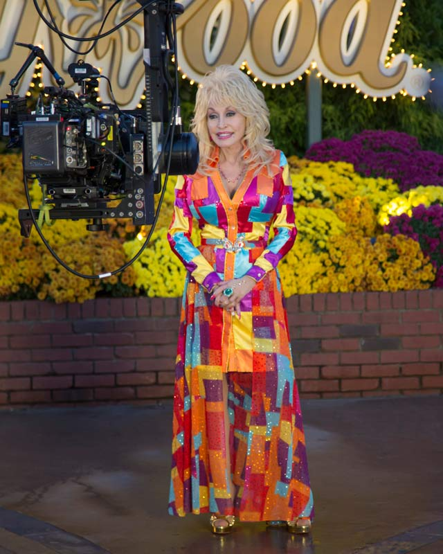 dolly parton at dollywood - Dolly Parton Coat Of Many Colors Book