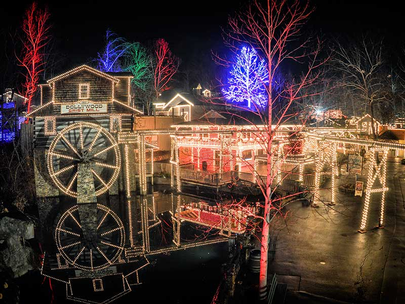 Rudolph and Friends Return to Dollywood's Smoky Mountain ...