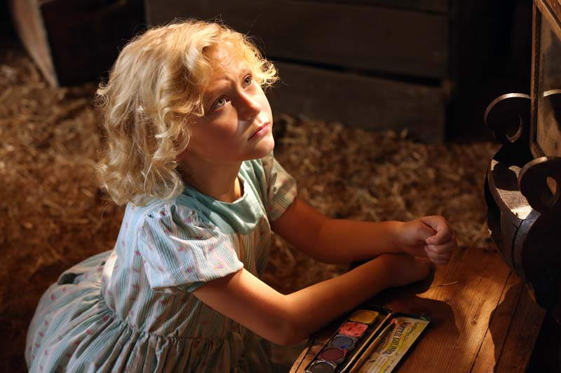 Alyvia Alyn Lind as Dolly Parton