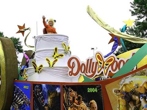 LIVE Facebook Broadcast of 2016 Dolly Parton Parade
