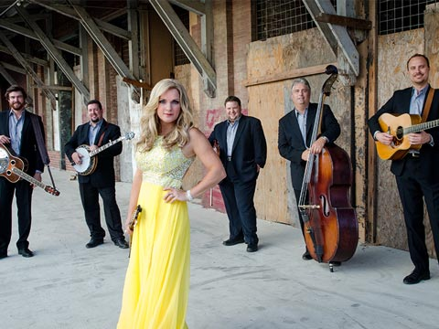 Award-Winning Bluegrass And Tangy Barbeque At Dollywood