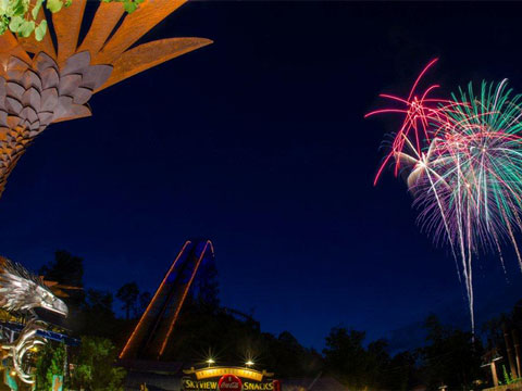 Nightly Fireworks Show Highlights Summer At Dollywood