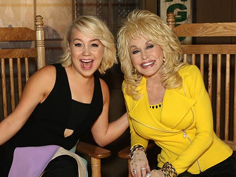 Cracker Barrel's Front Porch Series With Dolly & RaeLynn