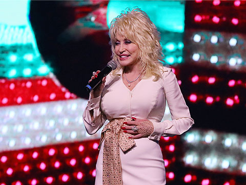 Dolly Shared Excitement For Great Pumpkin LumiNights And More At Dollywood