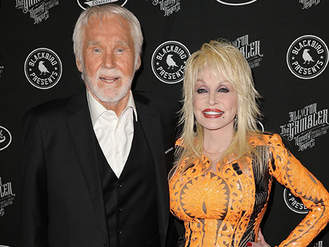 "Dolly Parton and Kenny Rogers' Final Performance At ""All In For The Gambler"""