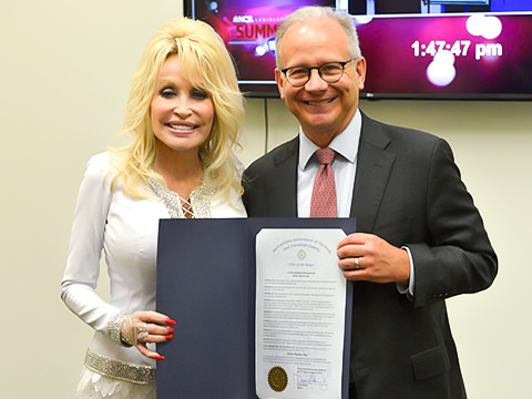 Nashville Mayor Declares August 5 Dolly Parton Day