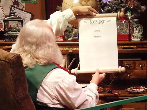 Behind-The-Scenes Look At Dollywood's 2020 Santa Visits