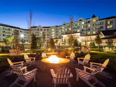 Vote for Dollywood's DreamMore Resort and Spa in USA Today 10Best Readers' Choice Awards