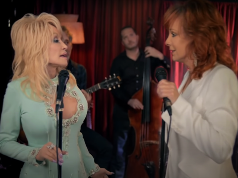 """Dolly Joins Reba McEntire In """"Does He Love You"""" Remake"""